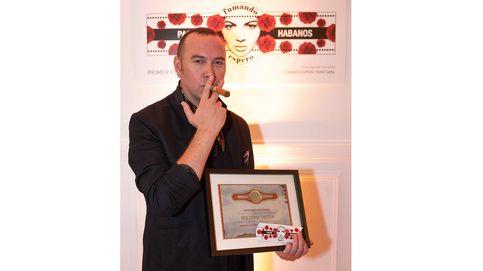 Patxi Zapirain, ganador del concurso 'Vitolas con diseño' del Club Pasión Habanos