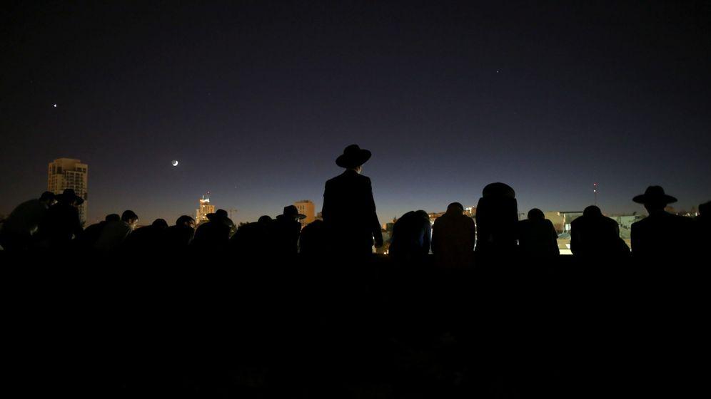 Foto: Funeral del rabino Ovadia Yosef, mentor religioso de los judíos sefardíes en todo el mundo (Efe).