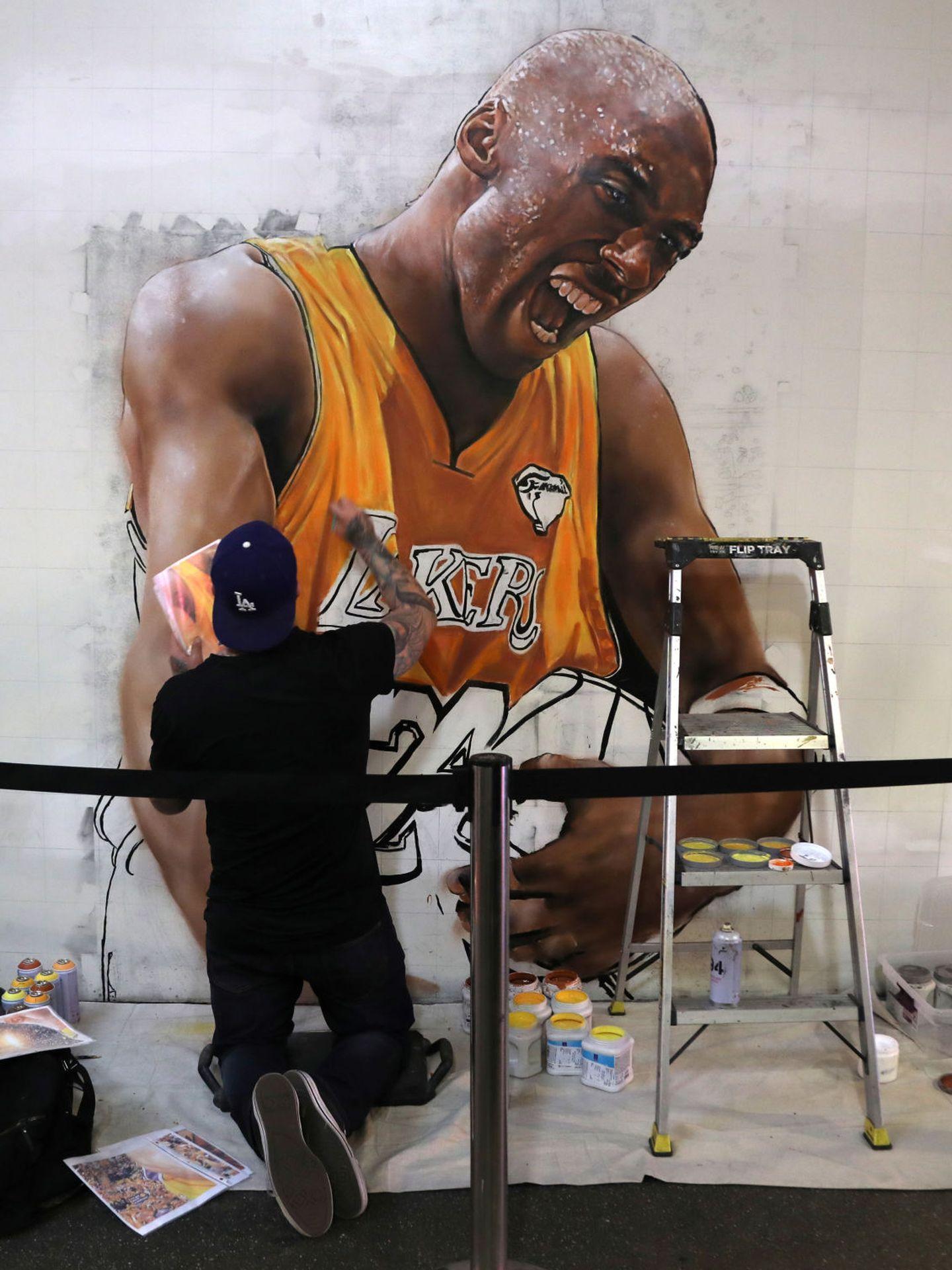 El muralista Jonas Never. (Reuters)