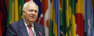 Crece el malestar contra Moratinos en Exteriores por repartir embajadas entre políticos afines