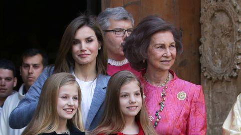 Los looks de Letizia, sus hijas y la Reina Sofía, a examen