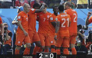 Holanda agarra el liderato con fuerza