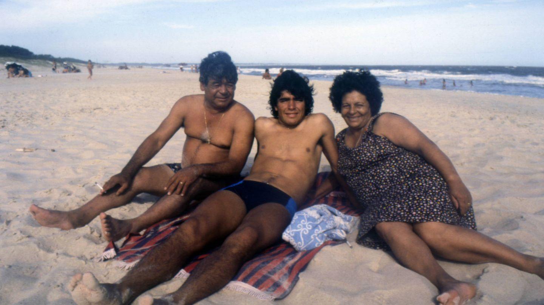 Otra imagen de la familia Maradona.