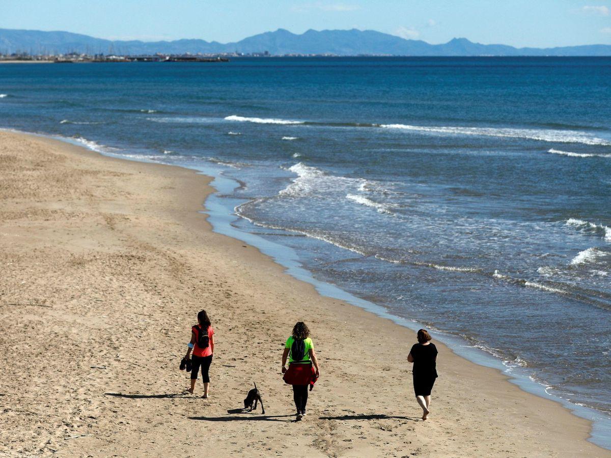 Foto: Una playa de Sagunto, Valencia. (EFE)