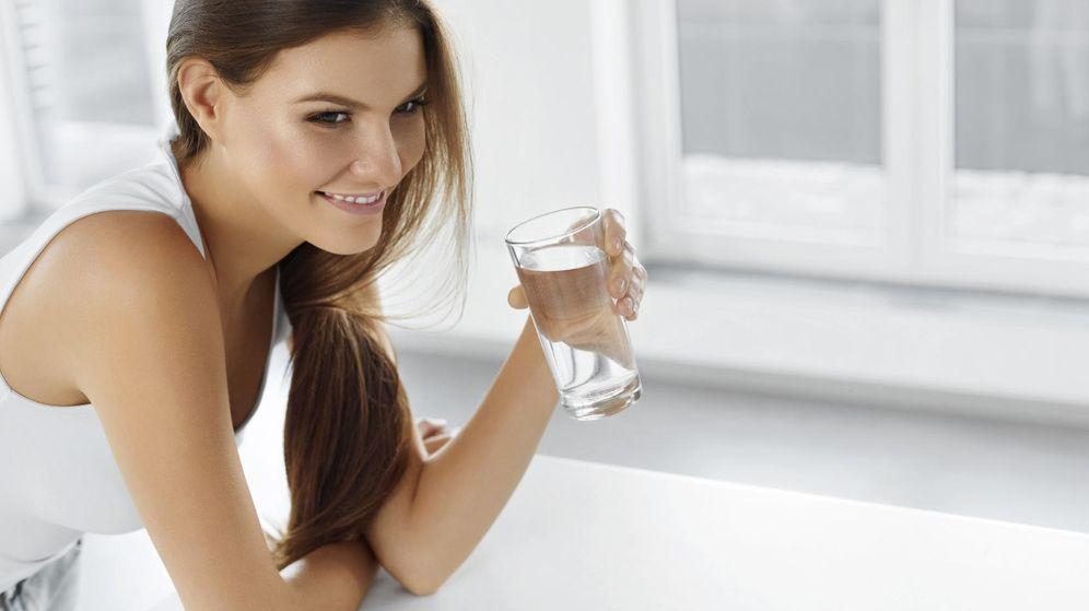 Foto: Sí, basta tomar dos o tres vasos al día para que comas menos. (iStock)