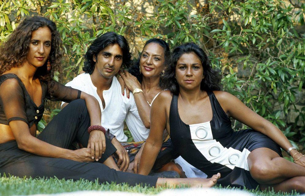 Foto: Rosario, Antonio, Lola Flores y Lolita en una imagen de los 90.(Gtres)