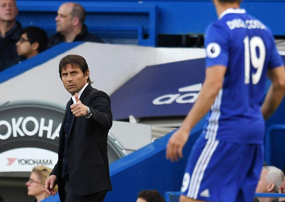 Foto: En la imagen, Antonio Conte y Diego Costa durante un partido de la pasada temporada. (EFE)