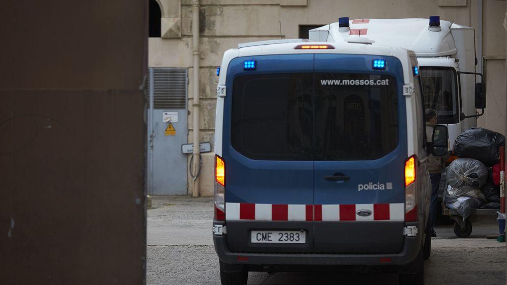 Foto: Una furgoneta de los Mossos d'Esquadra. (EFE)