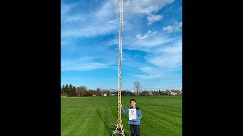 Un niño de 12 años construye la mayor estructura mundial con palitos de helado
