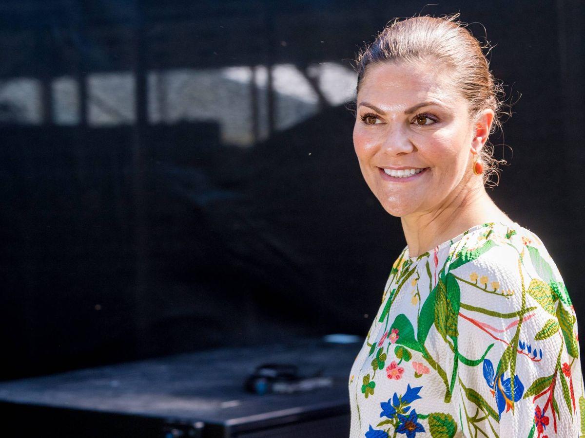Foto: Victoria de Suecia el verano pasado con el vestido en cuestión. (Cordon Press)