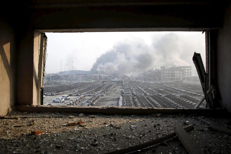 Foto: Coches dañados por las explosiones registradas en el nuevo distrito de Binhai, en Tianjin, China, el 13 de agosto de 2015 (Reuters).