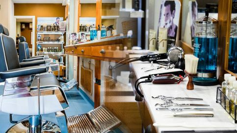 Descubrimos el nuevo mentidero político madrileño: la peluquería de Manuel Aranda