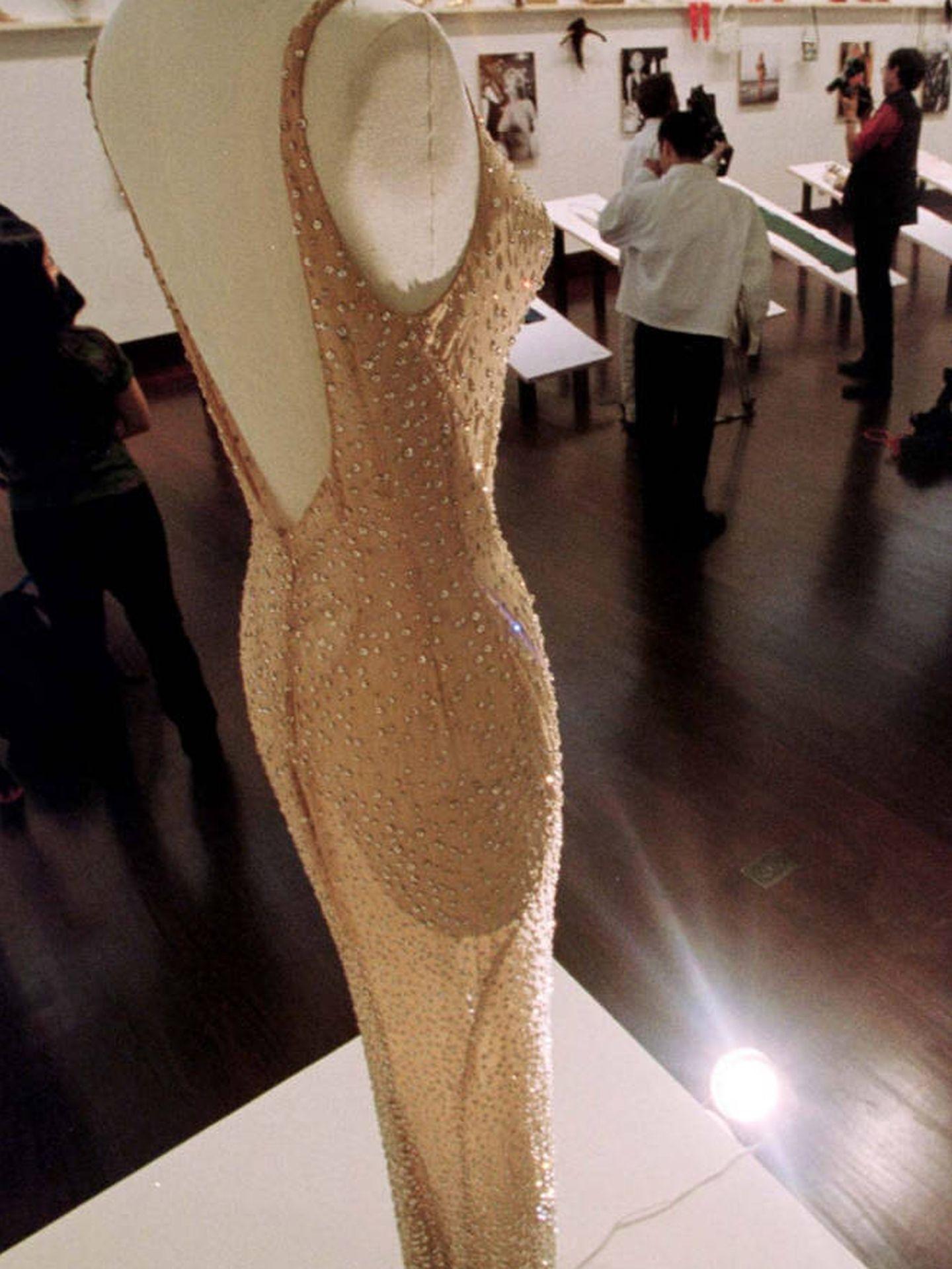 Imagen del vestido subastado por 5 millones de dólares