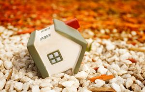 La vivienda seguirá cayendo por falta de demanda y exceso de 'stock'