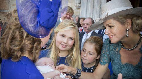 Los reyes de Holanda y sus hijas, invitados de honor en el bautizo del 'príncipe de Asturias'