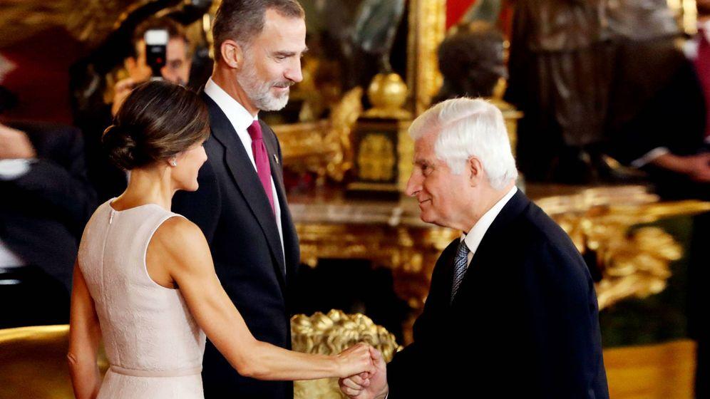 Foto: Los Reyes, con el duque de Alba. (EFE)