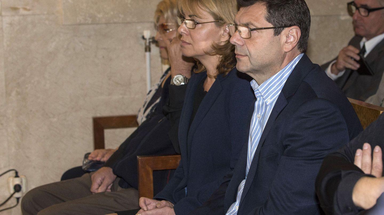 Romanov y su esposa durante el juicio en la Audiencia de Palma (EFE)