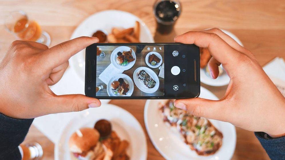Foto: Haciendo una foto de la comida.