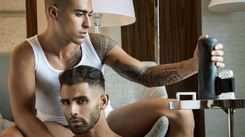 Deja que tu pareja controle tu placer sexual con Handy