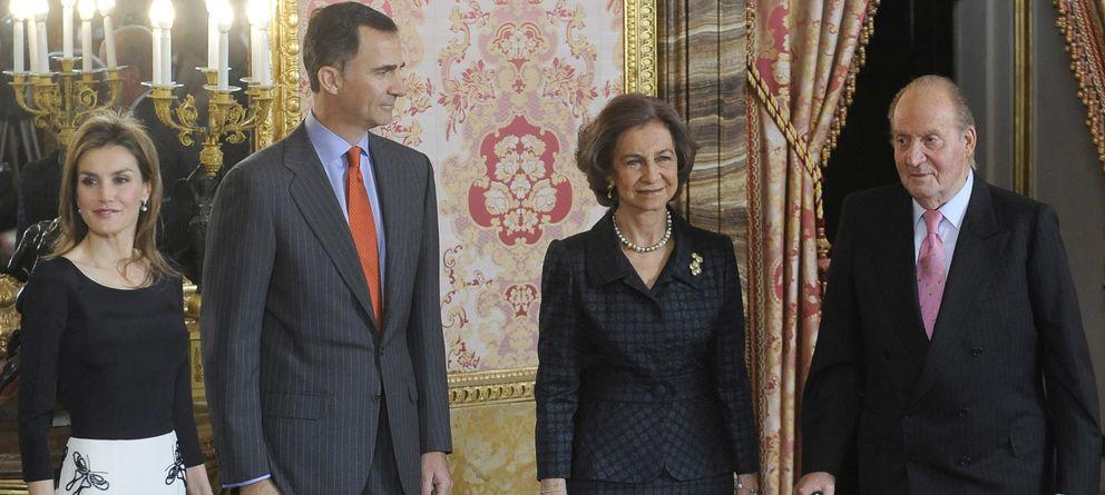 Foto: Don Juan Carlos y Doña Sofía junto a Felipe y Letizia el pasado mes de abril (Gtres)