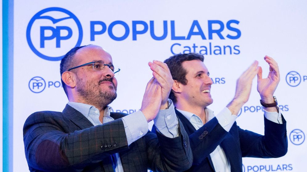 Foto: Alejandro Fernández, junto a Pablo Casado. (EFE)