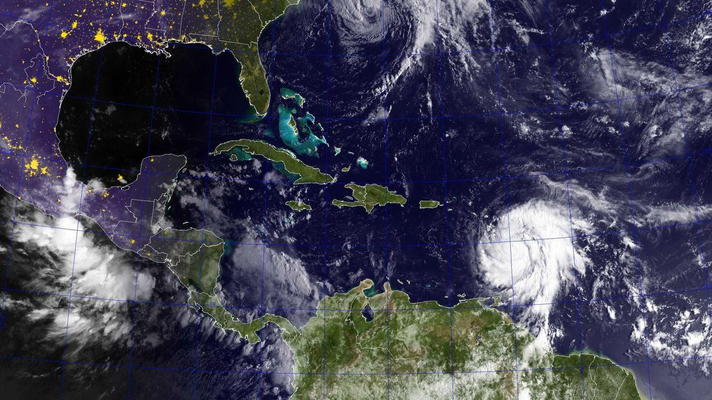 Foto: Huracán José en el Atlántico y el María en el Caribe