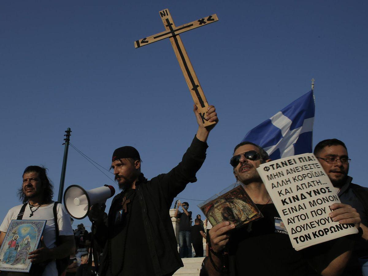 Foto: Protesta antivacunas en Atenas, Grecia. (EFE)
