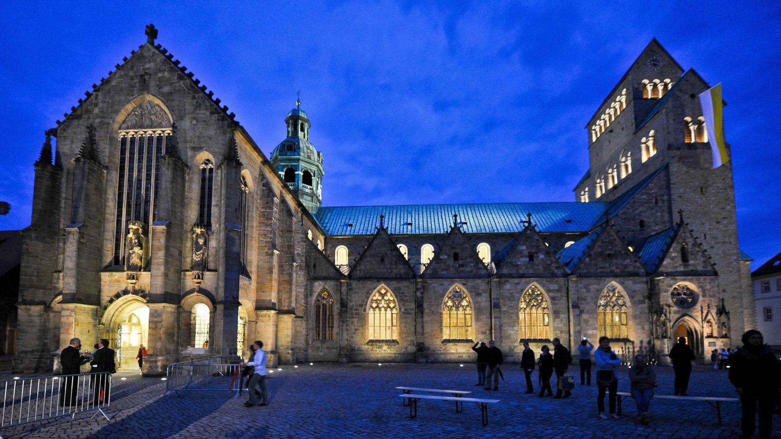 Foto: Reapertura de la catedral de Hildesheim después de cinco años de obras (EFE/EPA/Ole Spata)