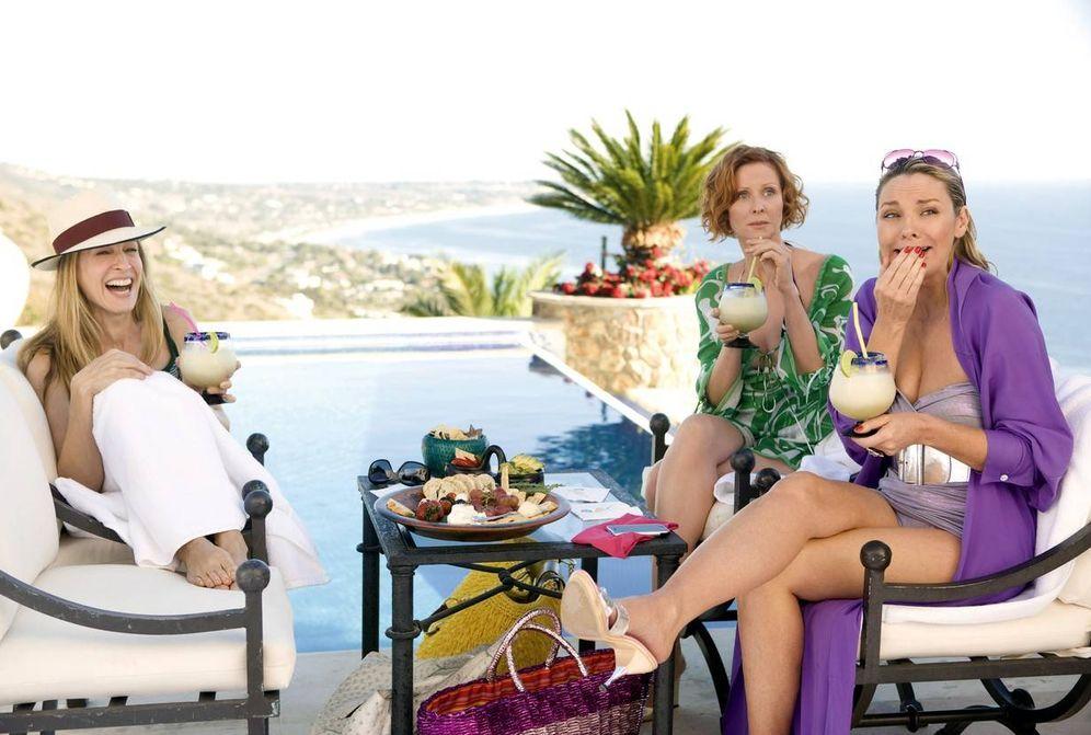 Foto: Carrie Bradshaw y compañía en una escena de 'Sexo en Nueva York' muy caribeña.