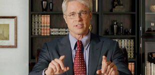 Post de Brad Pitt parodia la gestión de Trump disfrazado de su asesor en 'SNL'