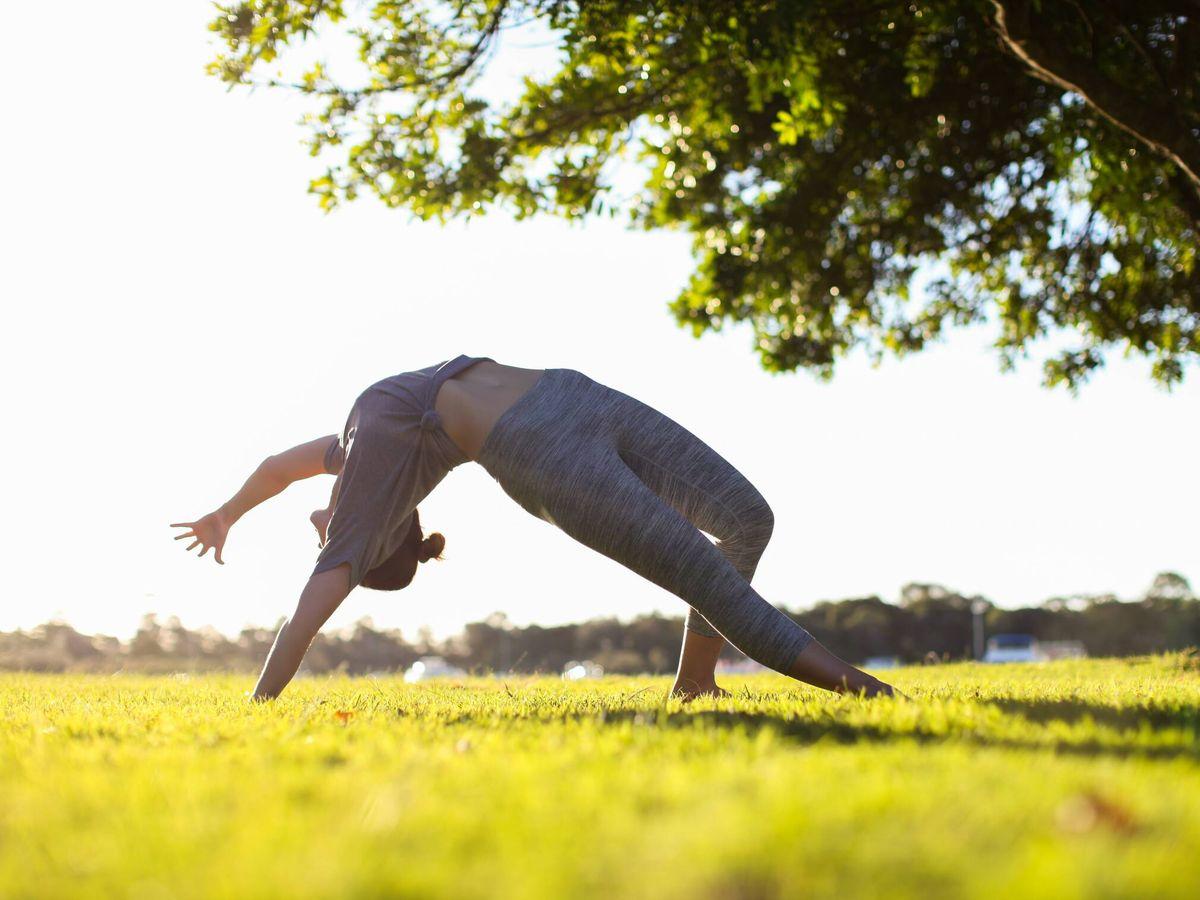 Foto: Tipos de yoga y cuál escoger según tu cuerpo y tus objetivos. (Patrick McGregor para Unsplash)