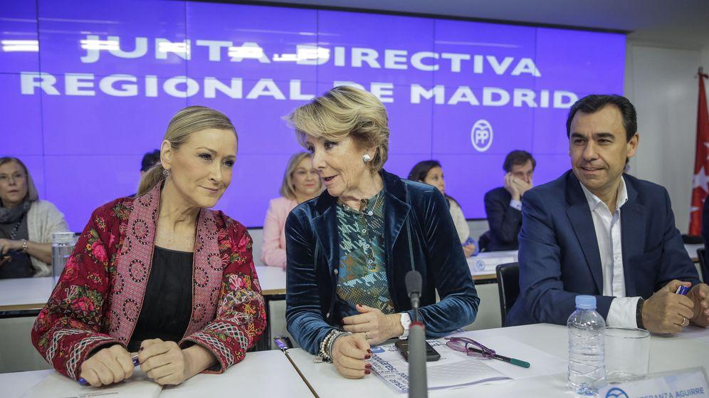 Foto: La presidenta del PP madrileño, Esperanza Aguirre, y la presidenta de la Comunidad de Madrid, Cristina Cifuentes. (EFE)