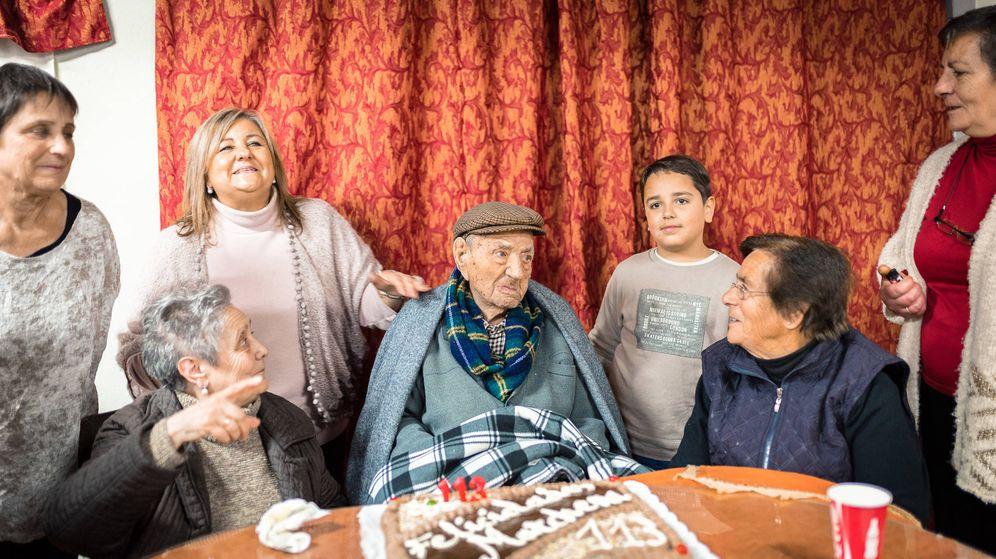 Foto: Francisco Núñez Olivera, el hombre más viejo del mundo. (Foto: Charles Ragslale)