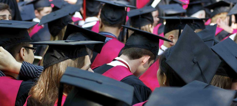 Foto: Los nuevos licenciados son perfectos... para las empresas que los contratarán. (iStock)