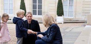 Post de Brigitte Macron 'babea' con Jacques y Gabriella de Mónaco en una visita privada