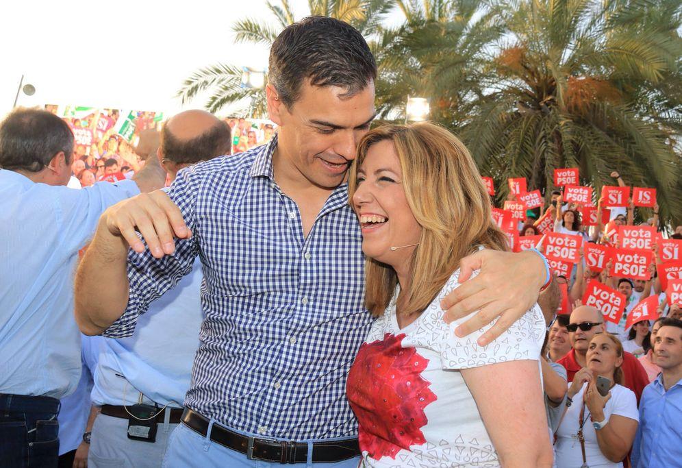Foto: Pedro Sánchez y Susana Díaz, en el mitin de campaña que compartieron en Sevilla el pasado 24 de junio, antes de las últimas generales. (EFE)
