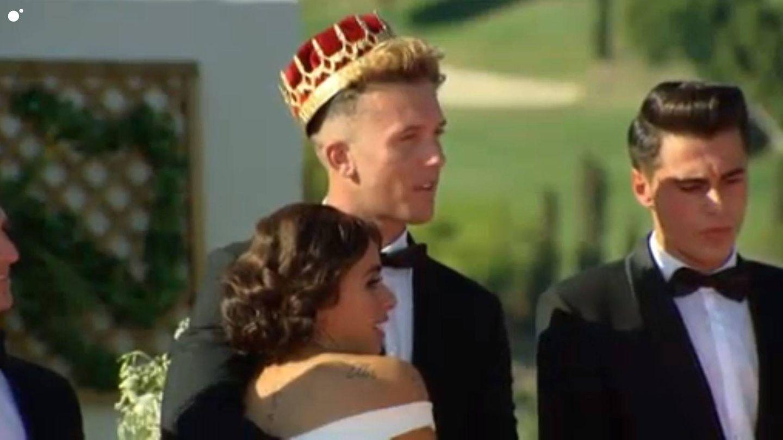 Yiya y Borja en el final de 'Un príncipe para tres princesas'. (Mediaset España)