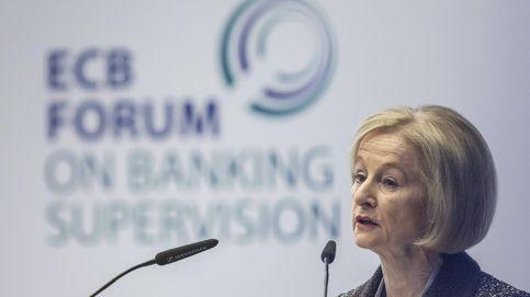 Nouy arenga a la banca española para que se tome muy en serio la regulación