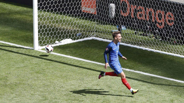 Foto: Griezmann celebra su segundo gol a Irlanda en Lyon. (EFE)