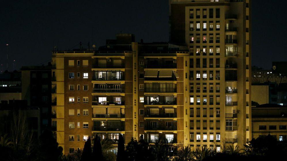 Foto: Imagen de un bloque de viviendas en Valencia. (EFE)