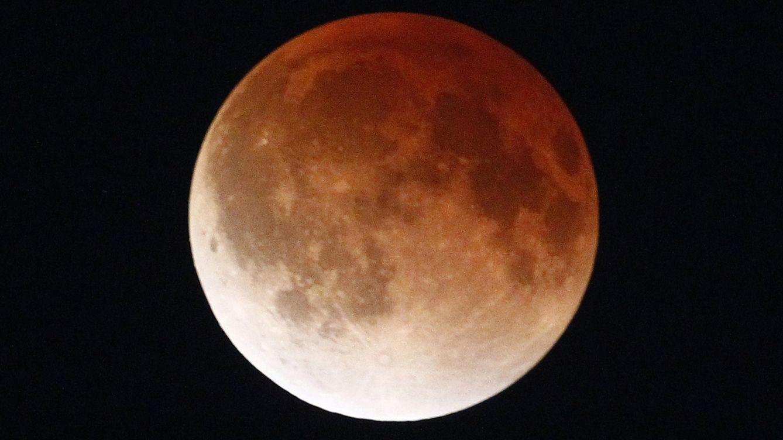 Foto: Eclipse de Luna sobre México. (Reuters)