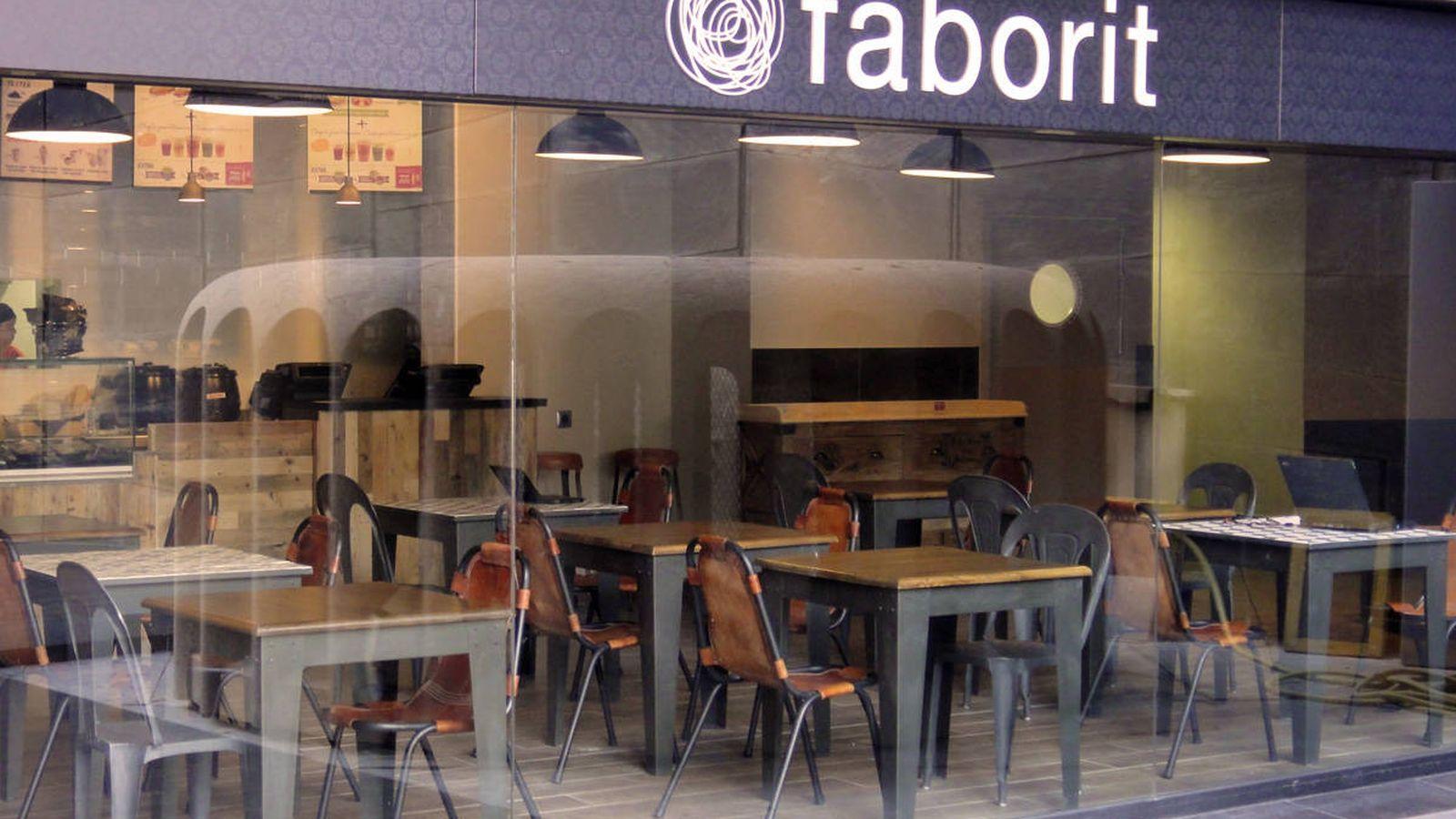 Foto: Acusan a Faborit de imponer horas extra 'gratis' bajo amenaza de despido.