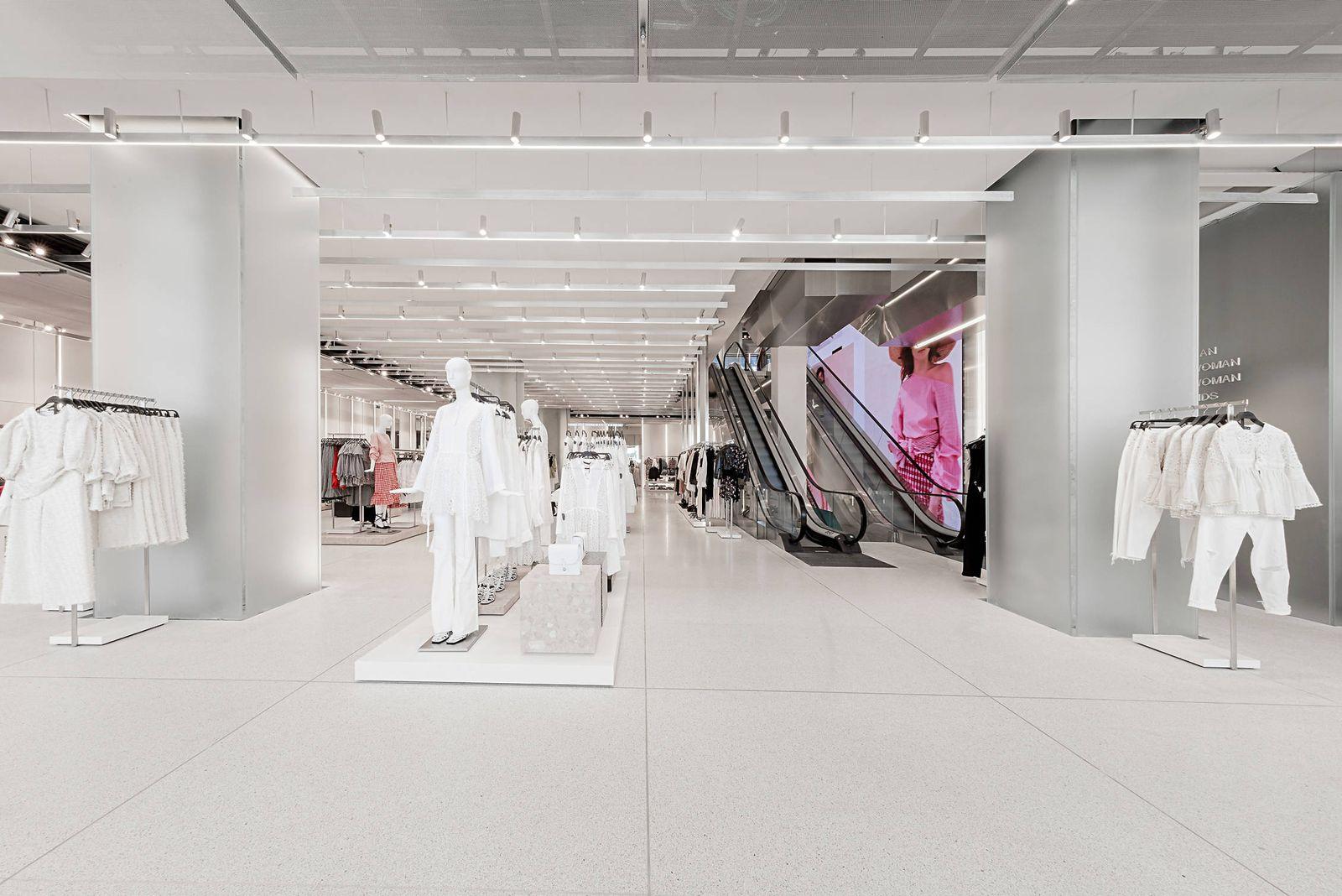 Tiempo de día Vibrar acre  Noticias de Inditex: Cuánto cuesta una flagship: Inditex invierte 600  millones en transformar sus tiendas