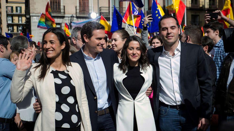 Foto: Albert Rivera, junto con Arrimadas y Aguado. (EFE)