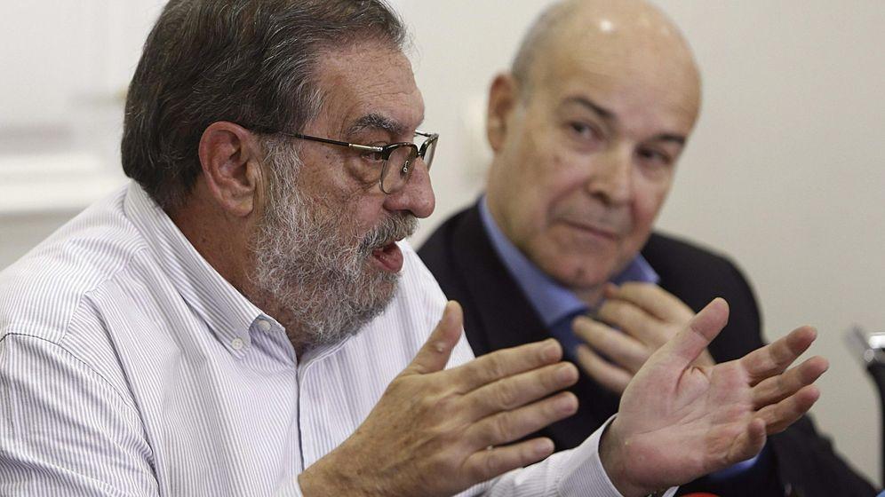 Foto: González Macho junto a Antonio Resines, actual presidente de la Academia de Cine. (EFE)