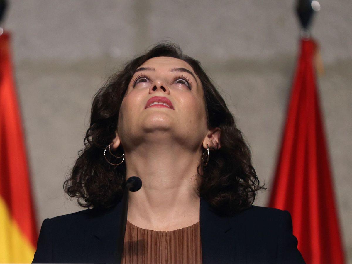Foto: La presidenta madrileña, Isabel Díaz Ayuso, durante la rueda de prensa de este viernes. (EFE)