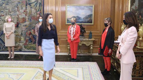 La reina Letizia luce la falda favorita de las royals europeas para un acto feminista