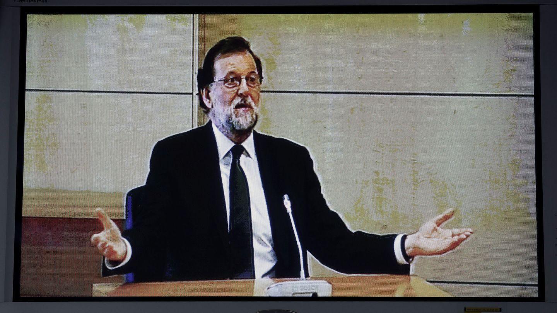 Rajoy, durante su declaración como testigo en el macrojuicio de corrupción de la trama Gürtel. (EFE)