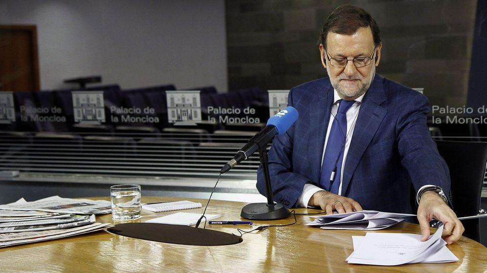Foto: El presidente del Gobierno, Mariano Rajoy, durante un momento de la entrevista. (EFE)