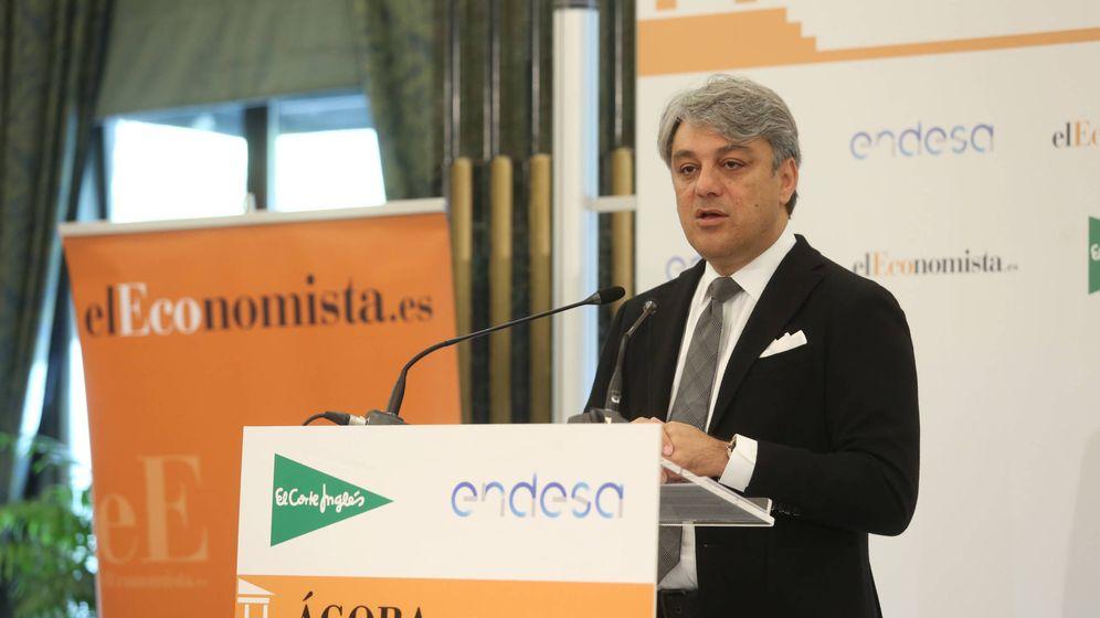 Foto: Luca de Meo durante su intervención sobre innovación y tendencias de la industria en Madrid.